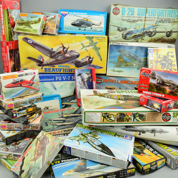 Huge model aircraft kit collection flies to auction