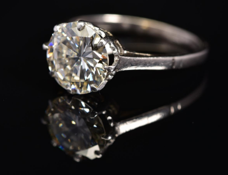 Huge diamond ring comes to auction
